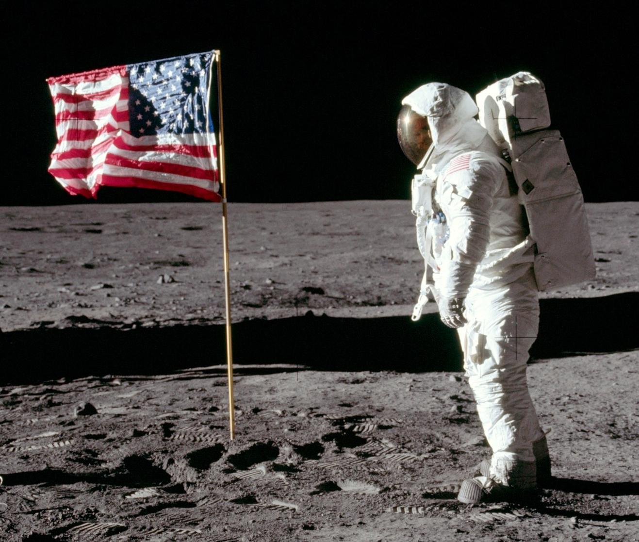 flagsalutge.jpg