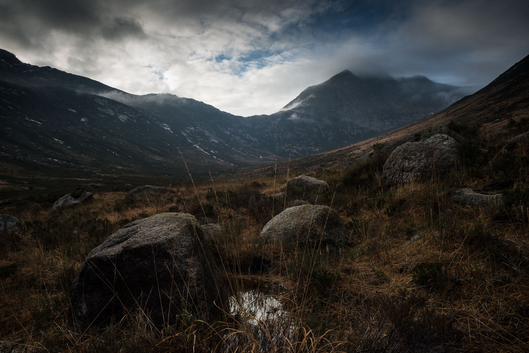 Glen Sannox with boulders