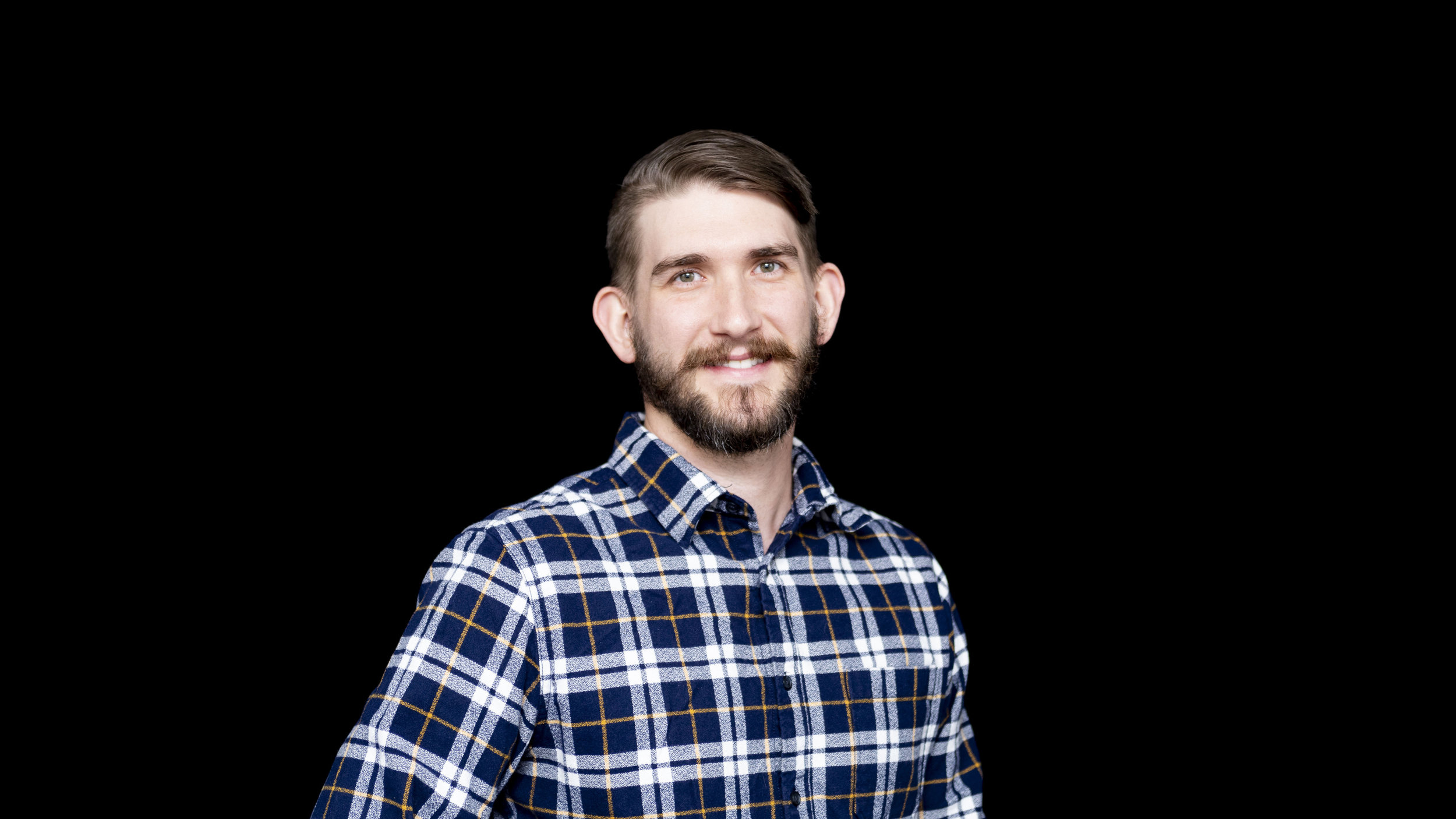 RYAN CUMMINS   VFX / VR / AR SUPERVISOR