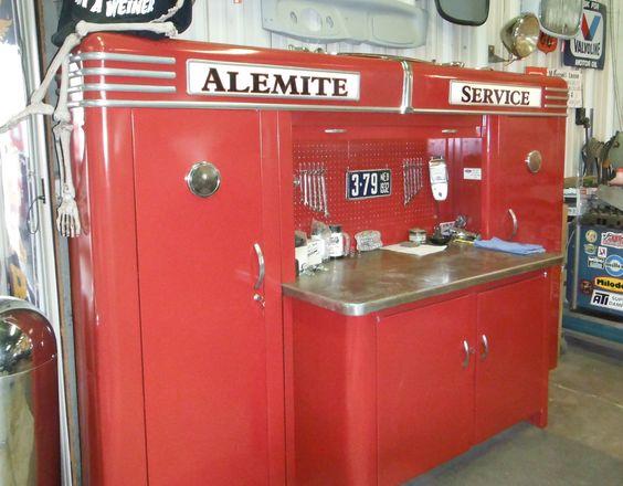 Alemite_Red_Clean_Service.jpg