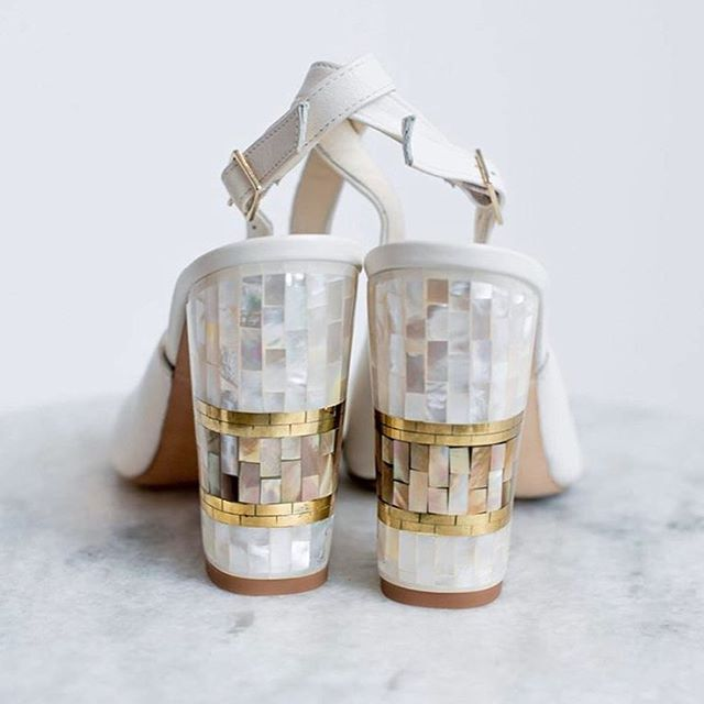 Ok I think these are the most gorgeous wedding shoes I have ever seen. Via @freyaroselondon  Moderne Cinderella. I want a pair 😍😍😍 . . . . #weddingshoes #nolaweddingplanner #southernbride #shoelust #wellheeled #pearlshoes #mosaicwedding #letsgetwed #letselope #neworleanswedding #shoeslux #dreamywedding #neworleansbride #wednola #southernelopement #destinationnola #onceuponawedding #thatsdarling #nolastyle #