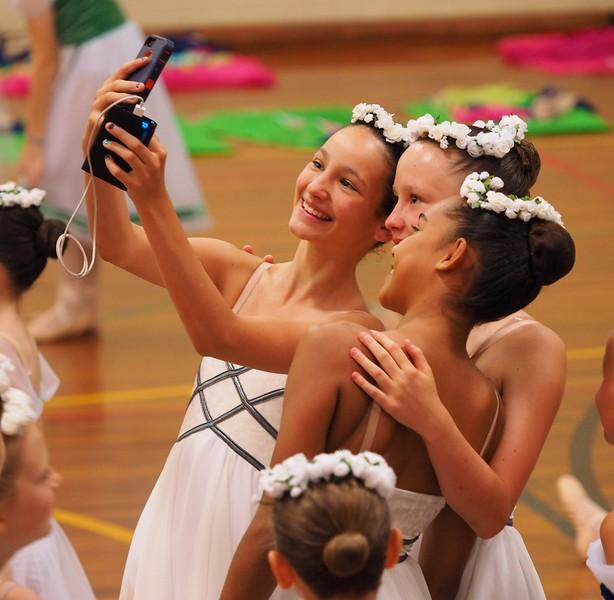 ballet friends.jpg