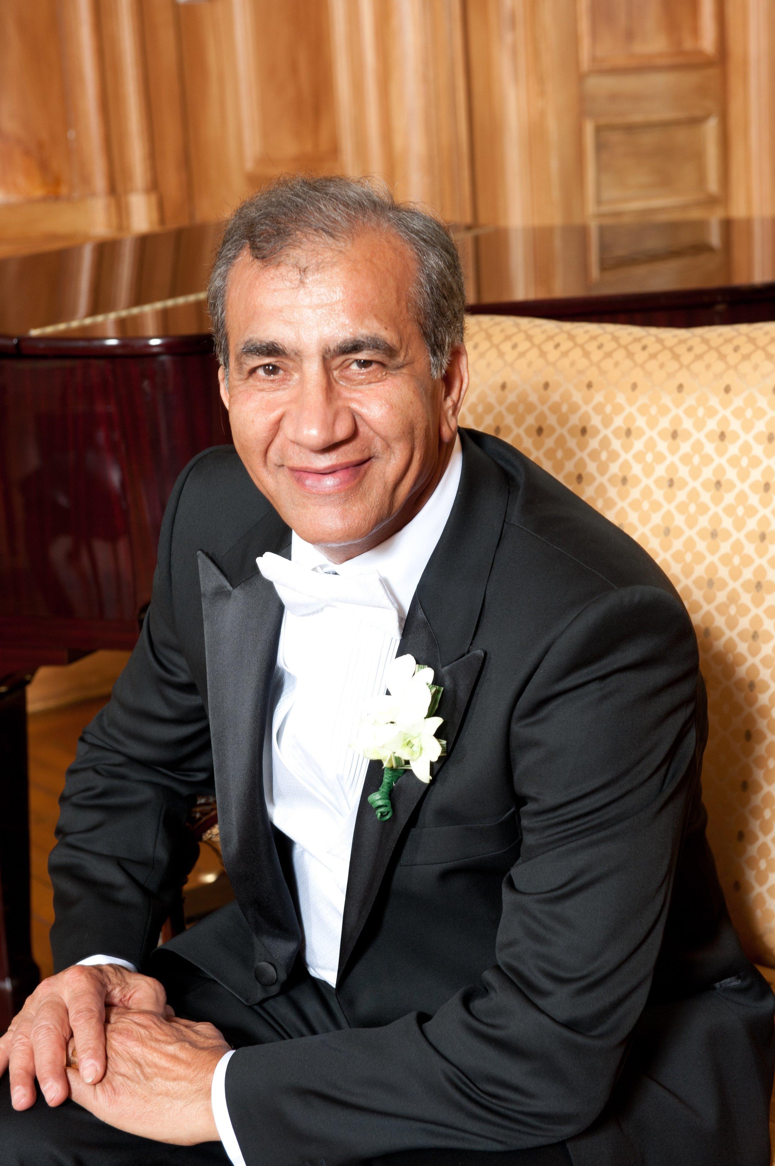 Dr. Reza Hedayati