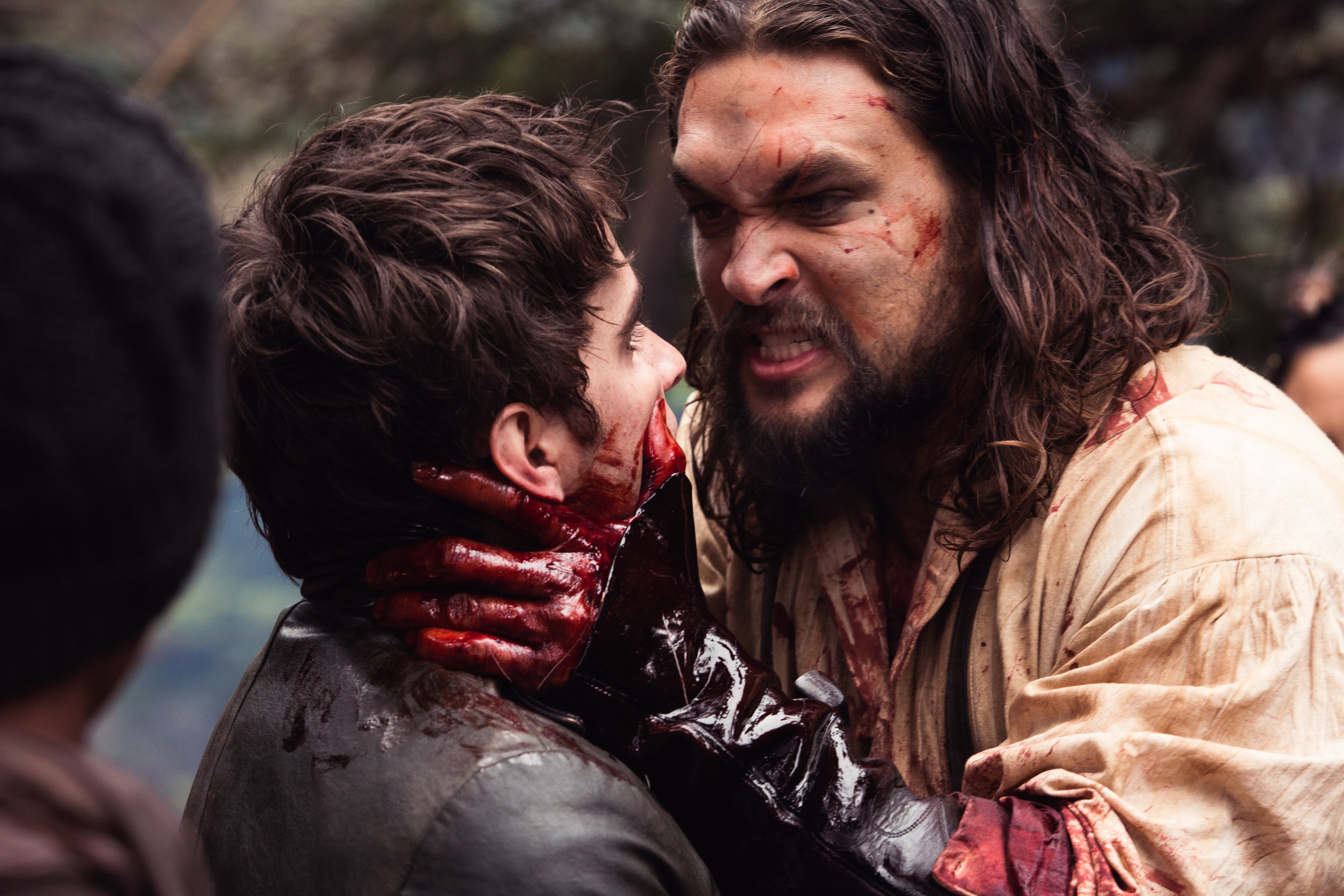Red Left Hand: Jason Momoa (Declan Harp) gets a grip in Netflix's  Frontier