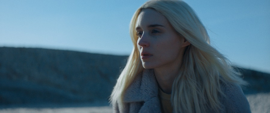 Suicide Blonde: Rooney Mara (Isla) in Netflix's  The Discovery