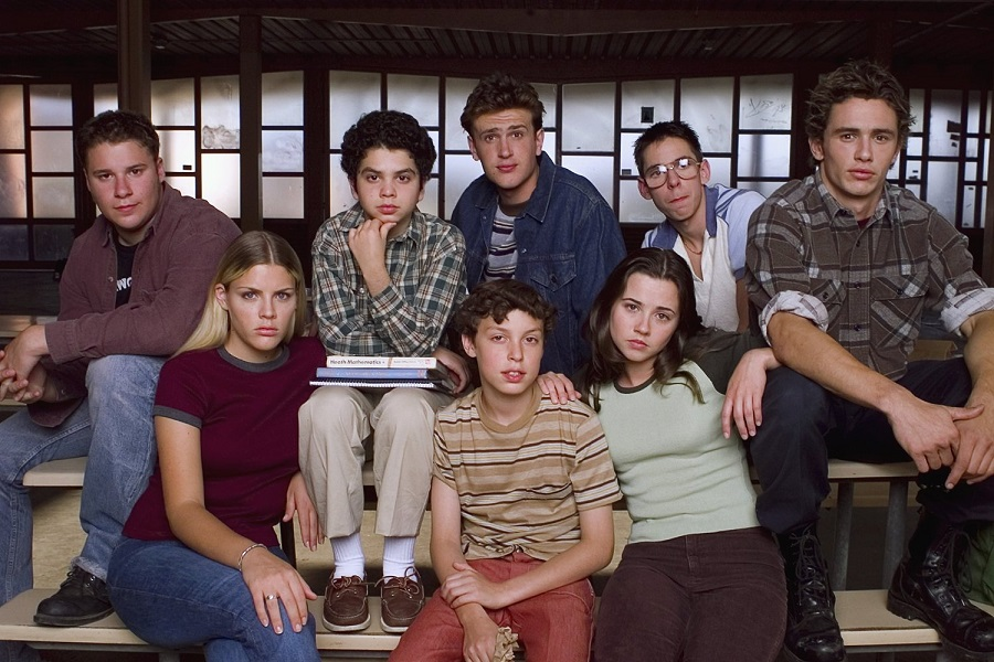 The Young Ones: the 1999 cast of  Freaks and Geeks  (L-R, back row) included Seth Rogen, Samm Levine, Jason Segel, Martin Starr, and James Franco; (front row) Busy Philipps, John Francis Daley, and Linda Cardellini