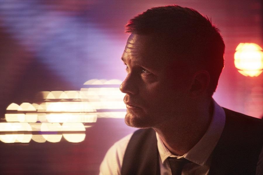 Silent Knight: Alexander Skarsgard (Leo) in Netflix's  Mute