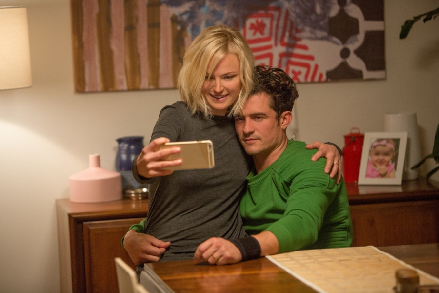 Sitting Pretty: Malin Akerman as Lucy and Orlando Bloom as Tom in Netflix's  Easy