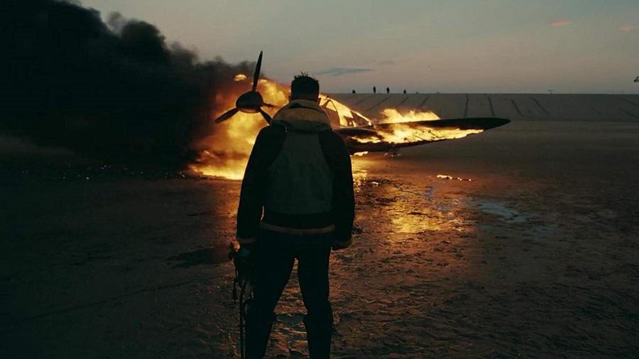 On the Beach: Tom Hardy (Farrier) in  Dunkirk