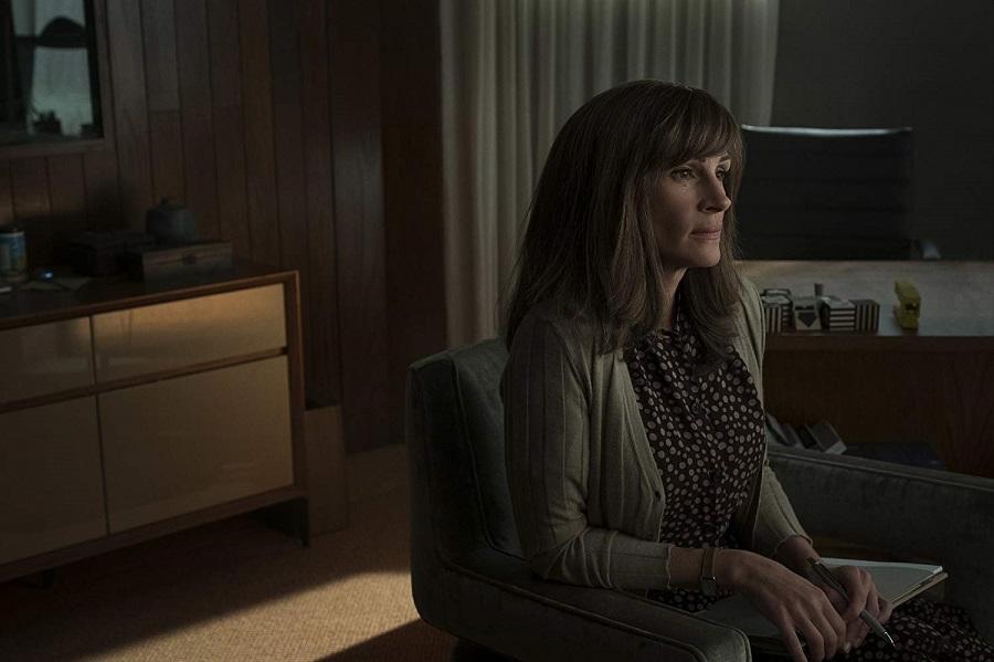 The Mercy Seat: Julia Roberts (Heidi Bergman) in  Homecoming