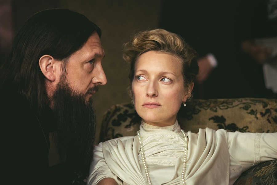 Ra Ra Rasputin: Ben Cartwright (Rasputin) and Susanna Herbert (Alexandra) in  The Last Czars