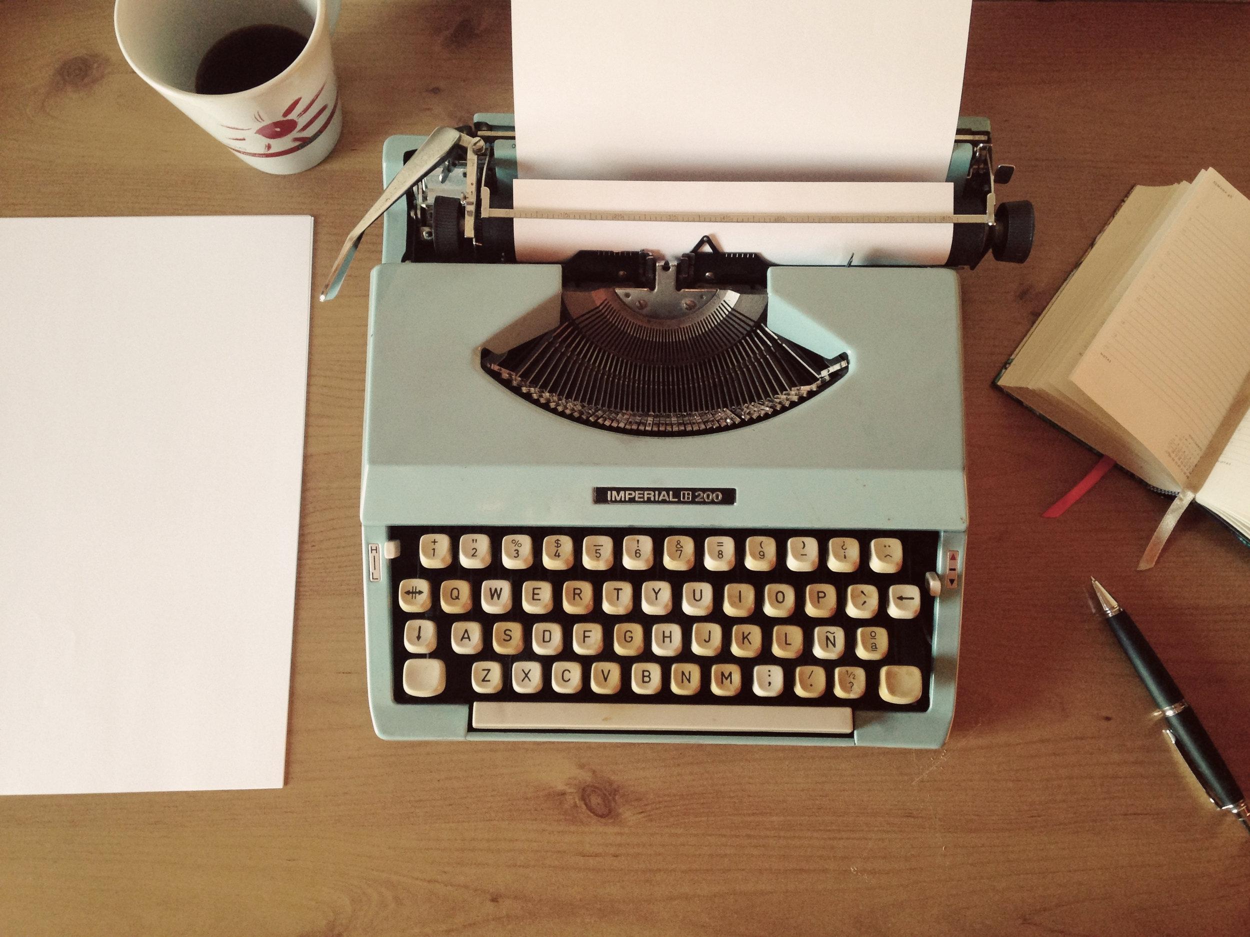 Typewriter, writing a book, publishing