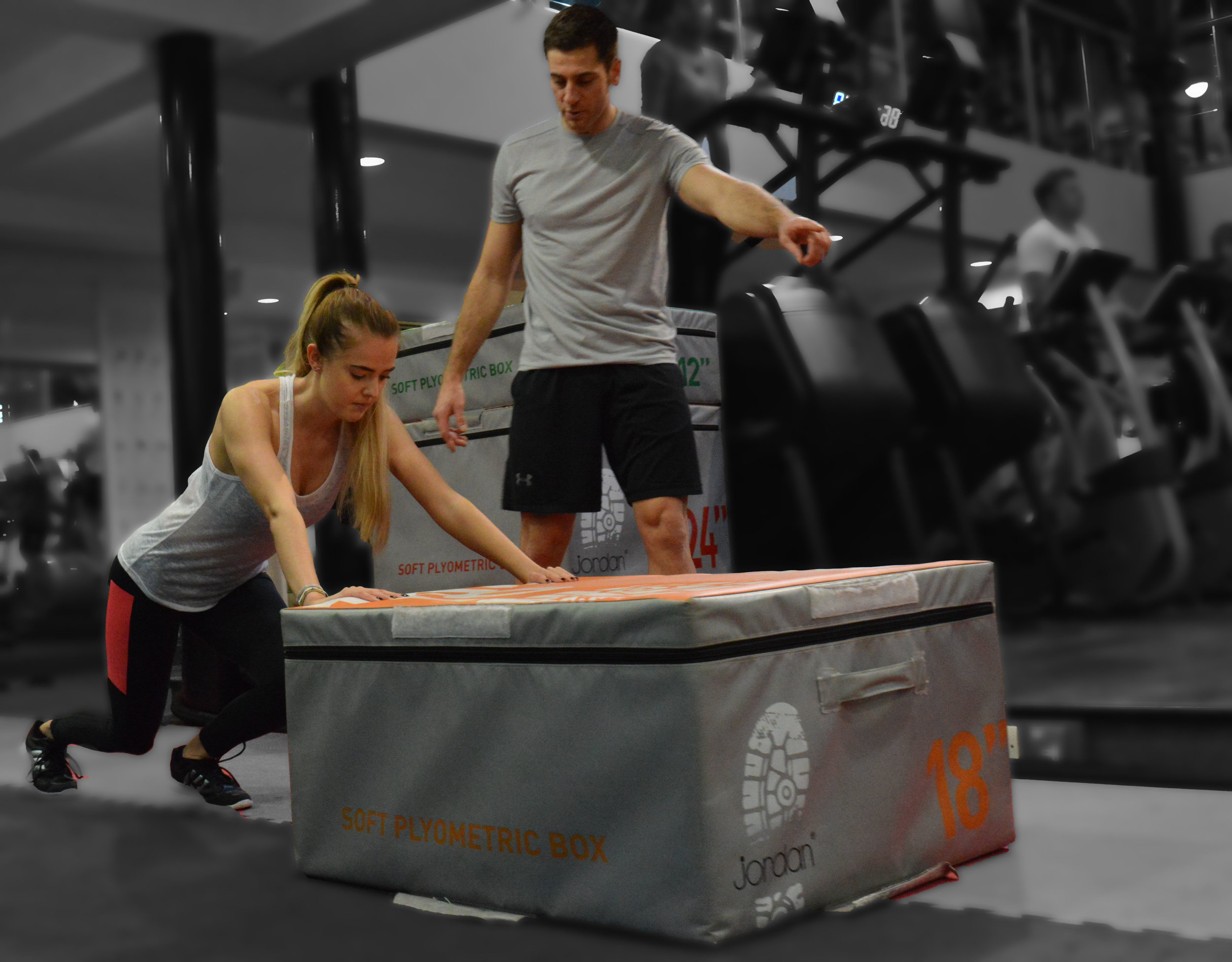 3 X TRAINING SESSIONS PER WEEK - Exercise 3x a week for 45 minutes in small groups (3 people maximum).THAT'S 24 Fitness Training sessions over 8 weeks.sessions ARE tailored to your abilities to maximize thE BENEFIT & GUARANTEE SUCCESS!