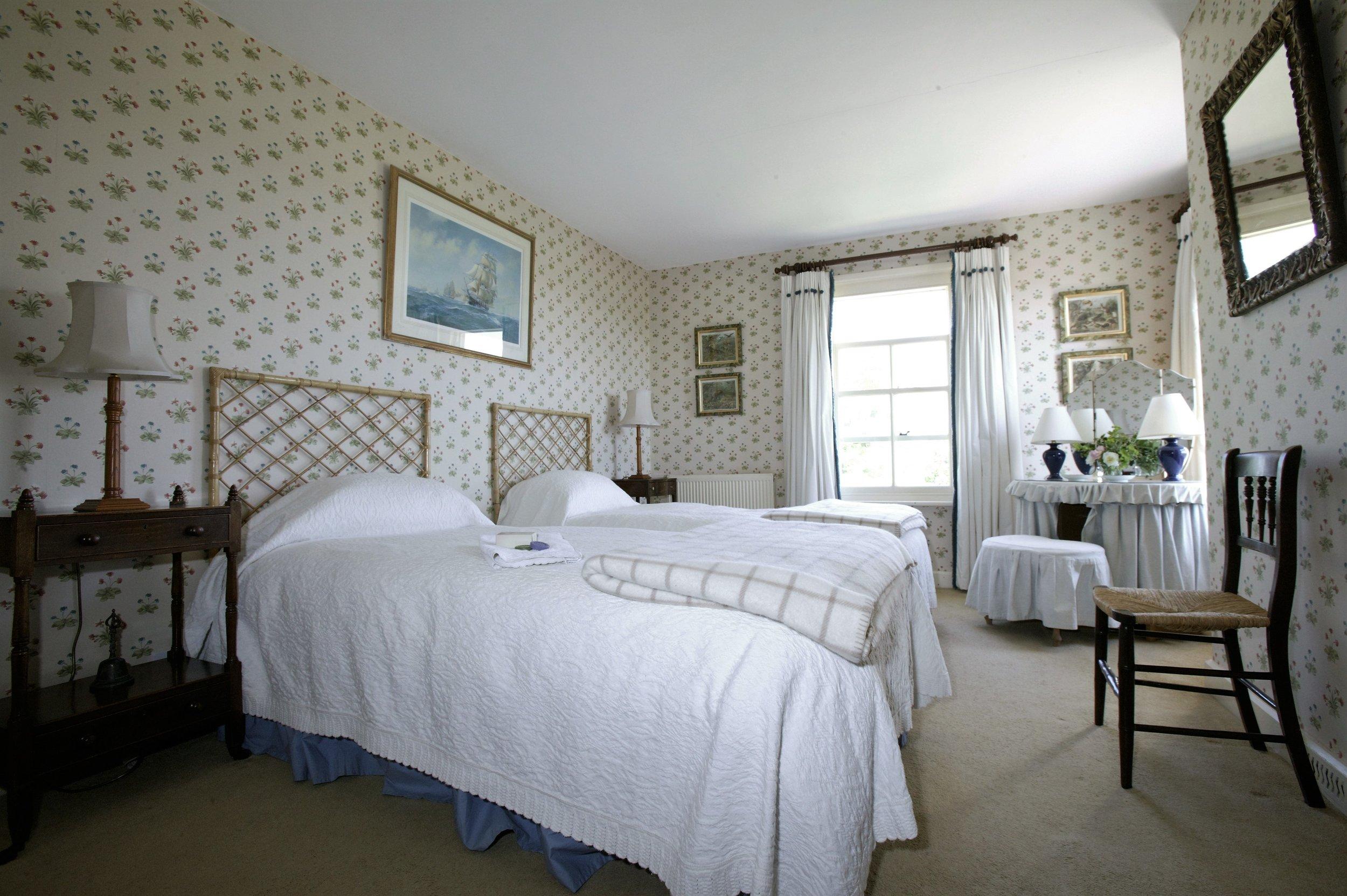Manor Farm bedroom.JPG