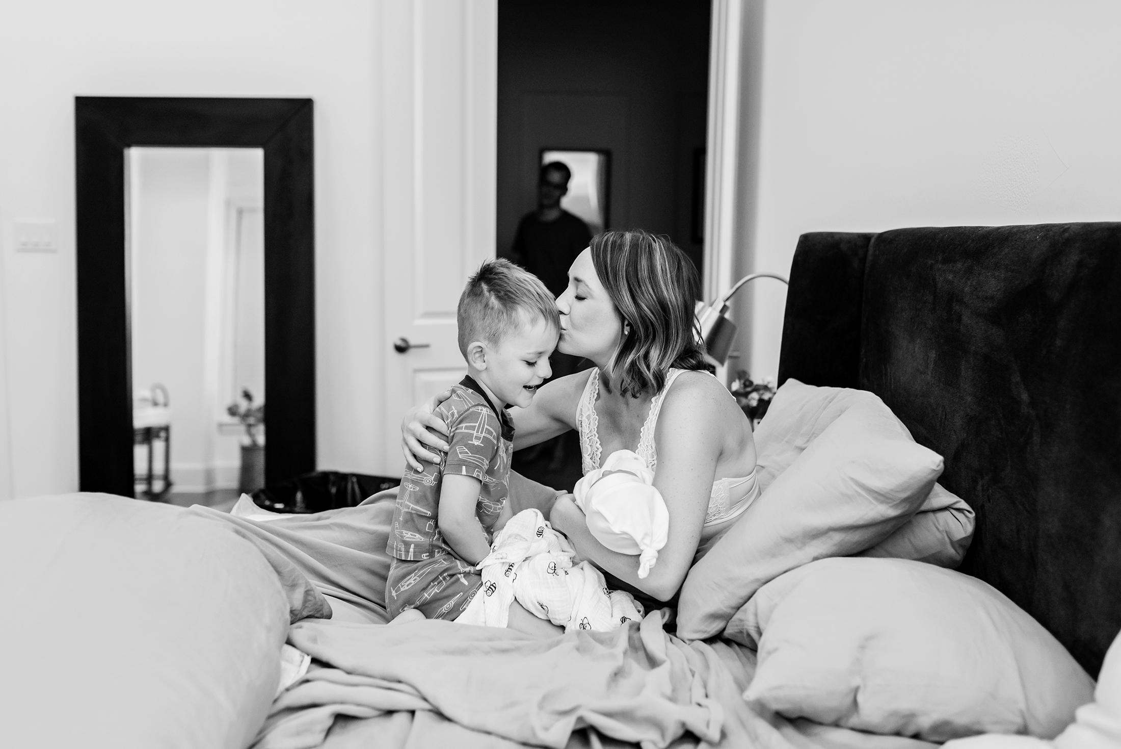 siblings meeting baby homebirth austin