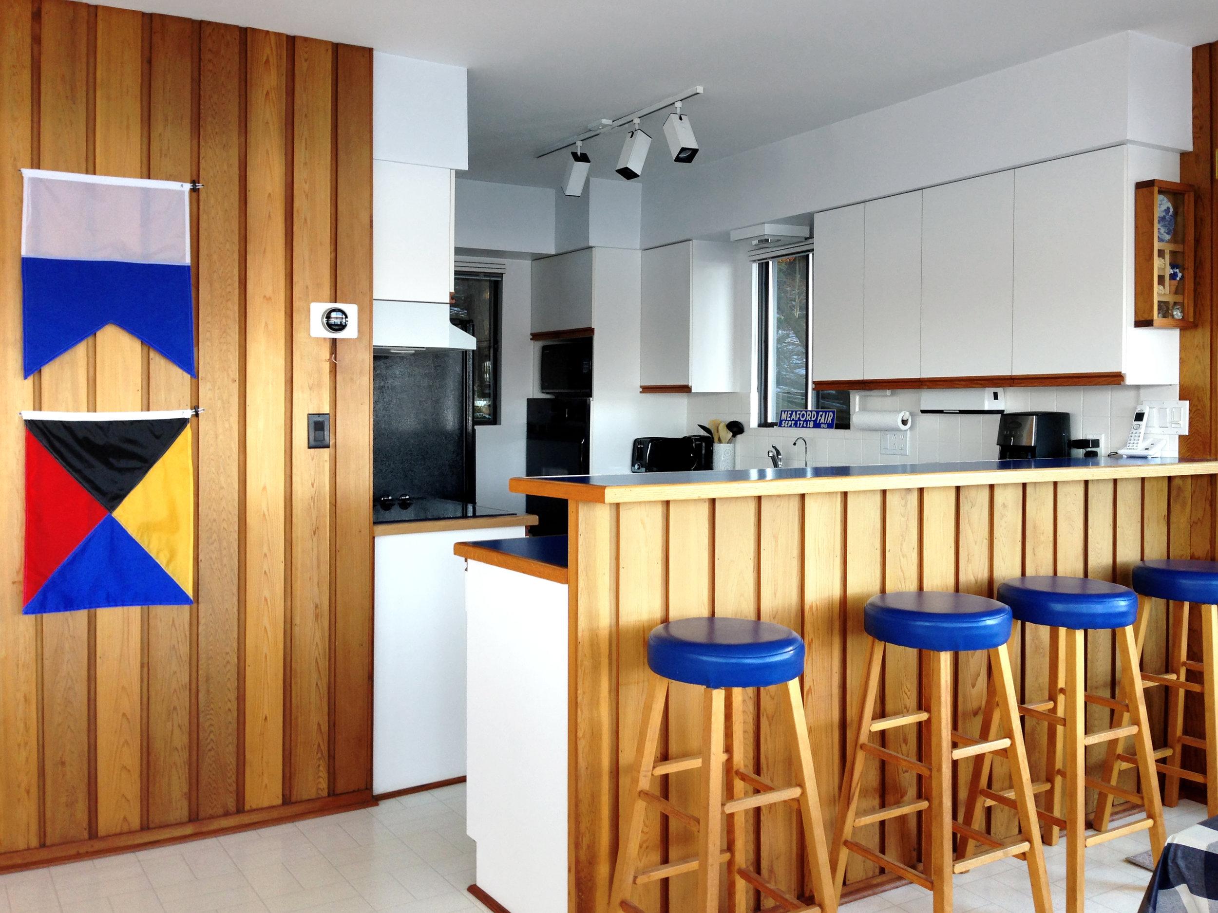 kitchen wide.jpg