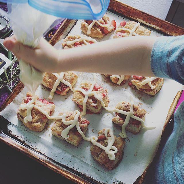 Hot cross {strawberry scones}