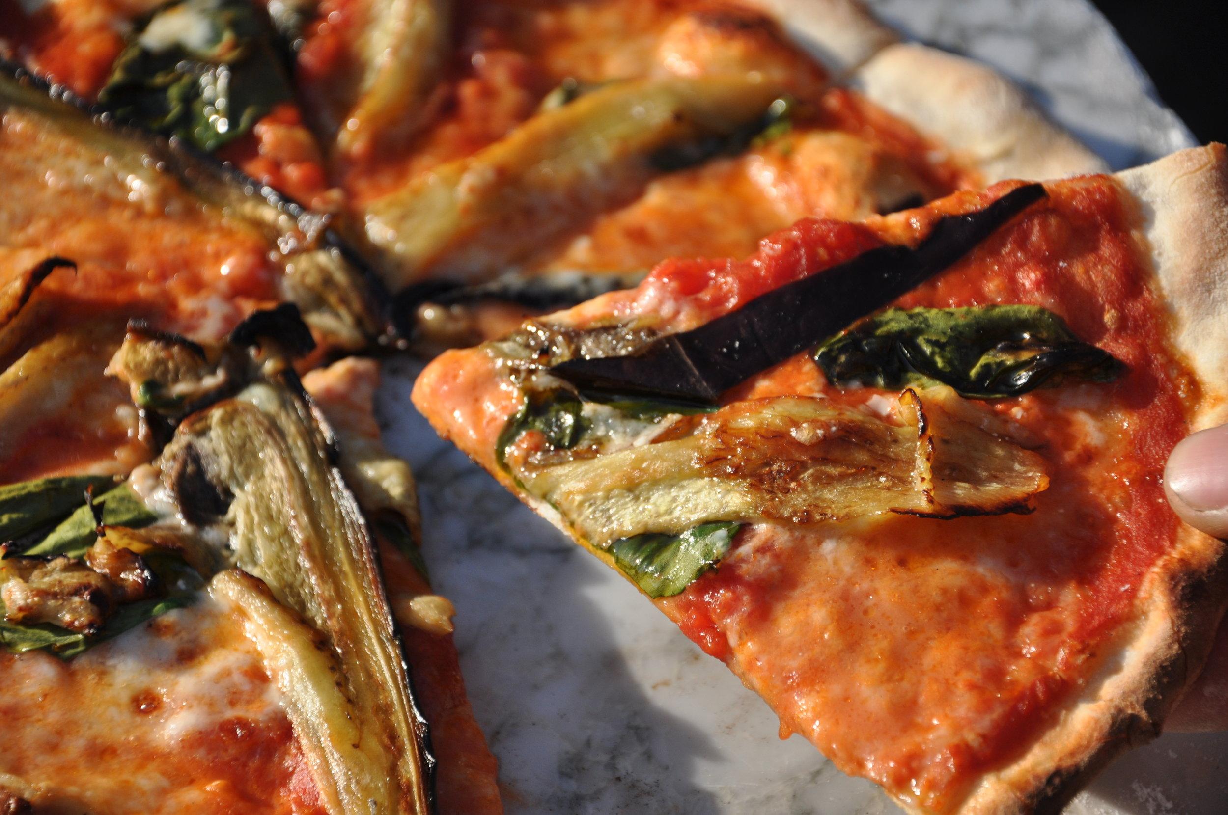 Lekker pizza delen .JPG