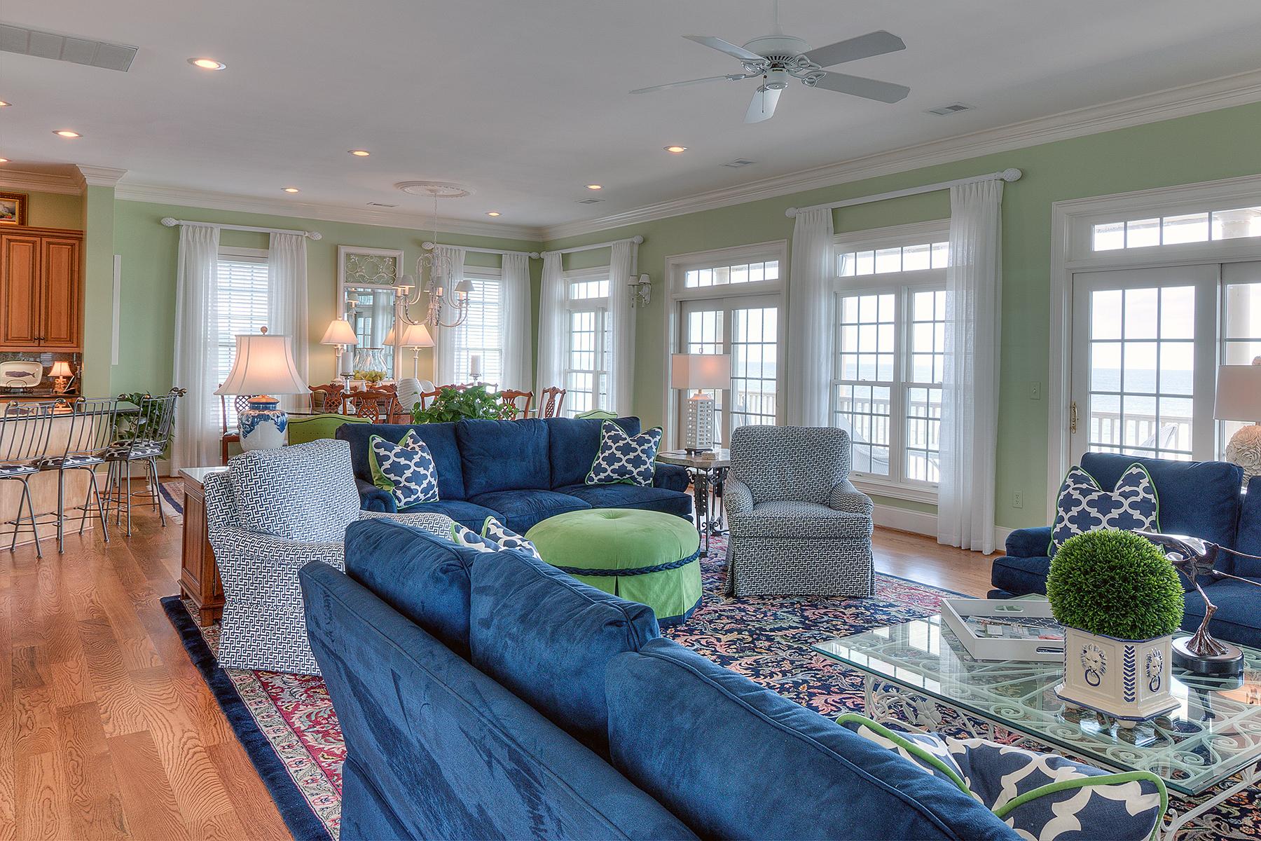 1271 Norris - Living room MLS.jpg