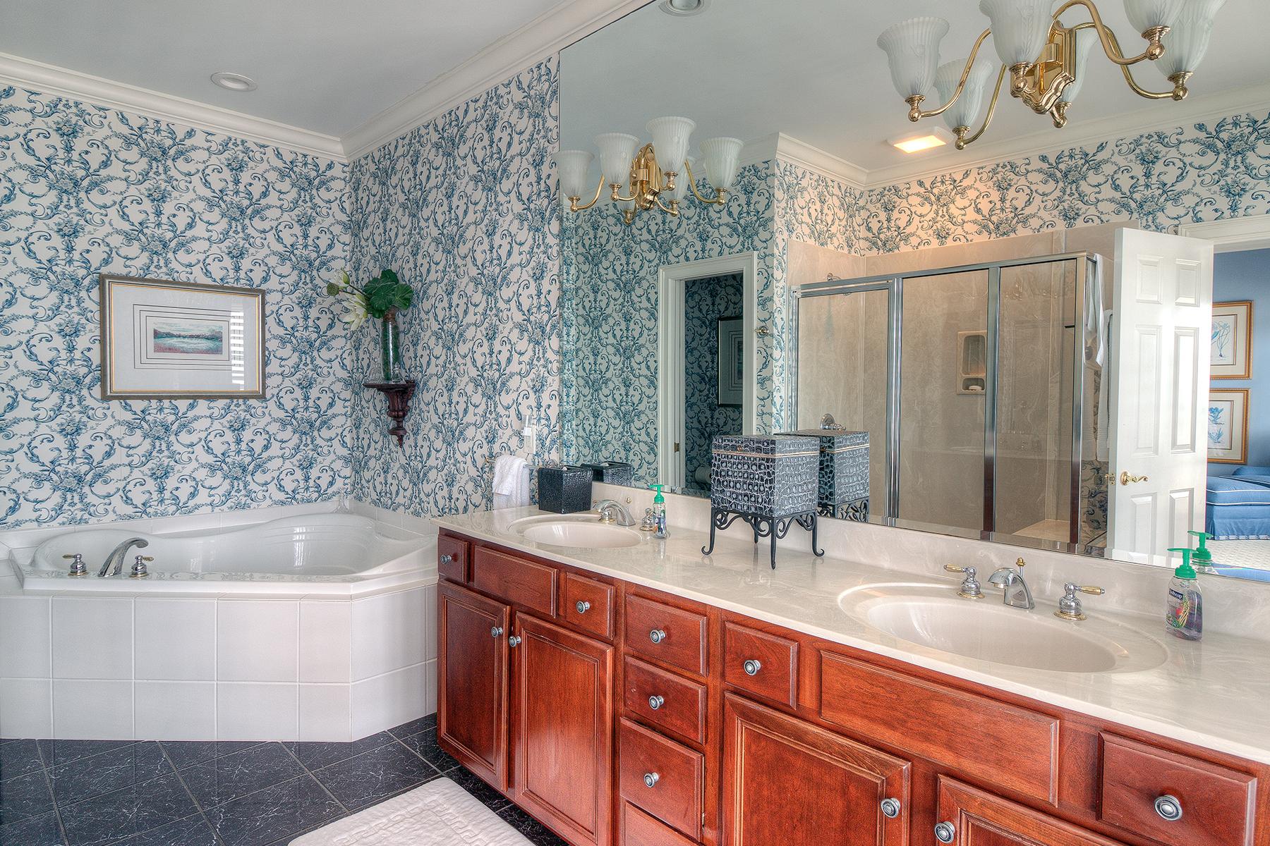 1271 Norris - blue master bath MLS.jpg