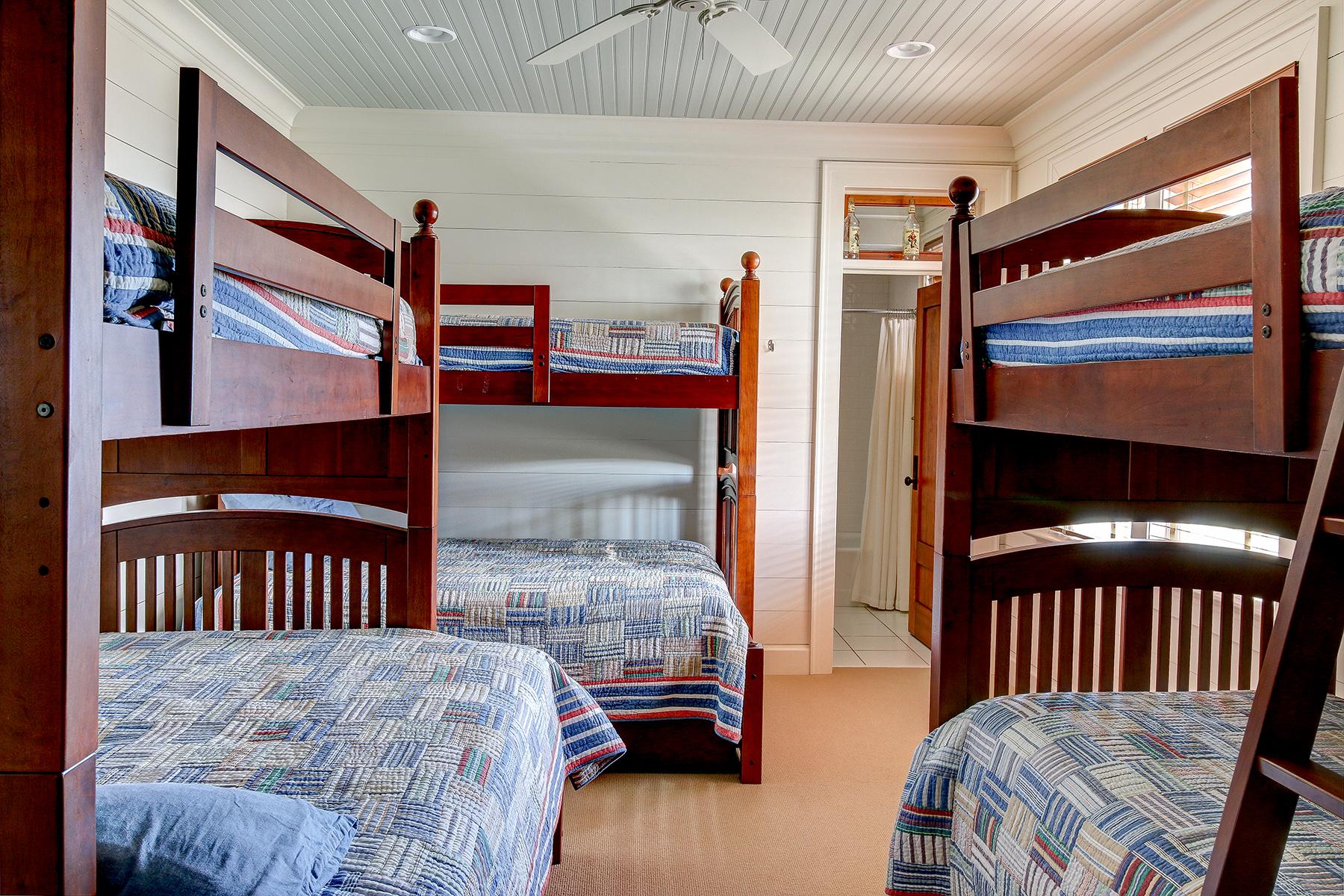 1107 Deb - bunk room MLS.jpg