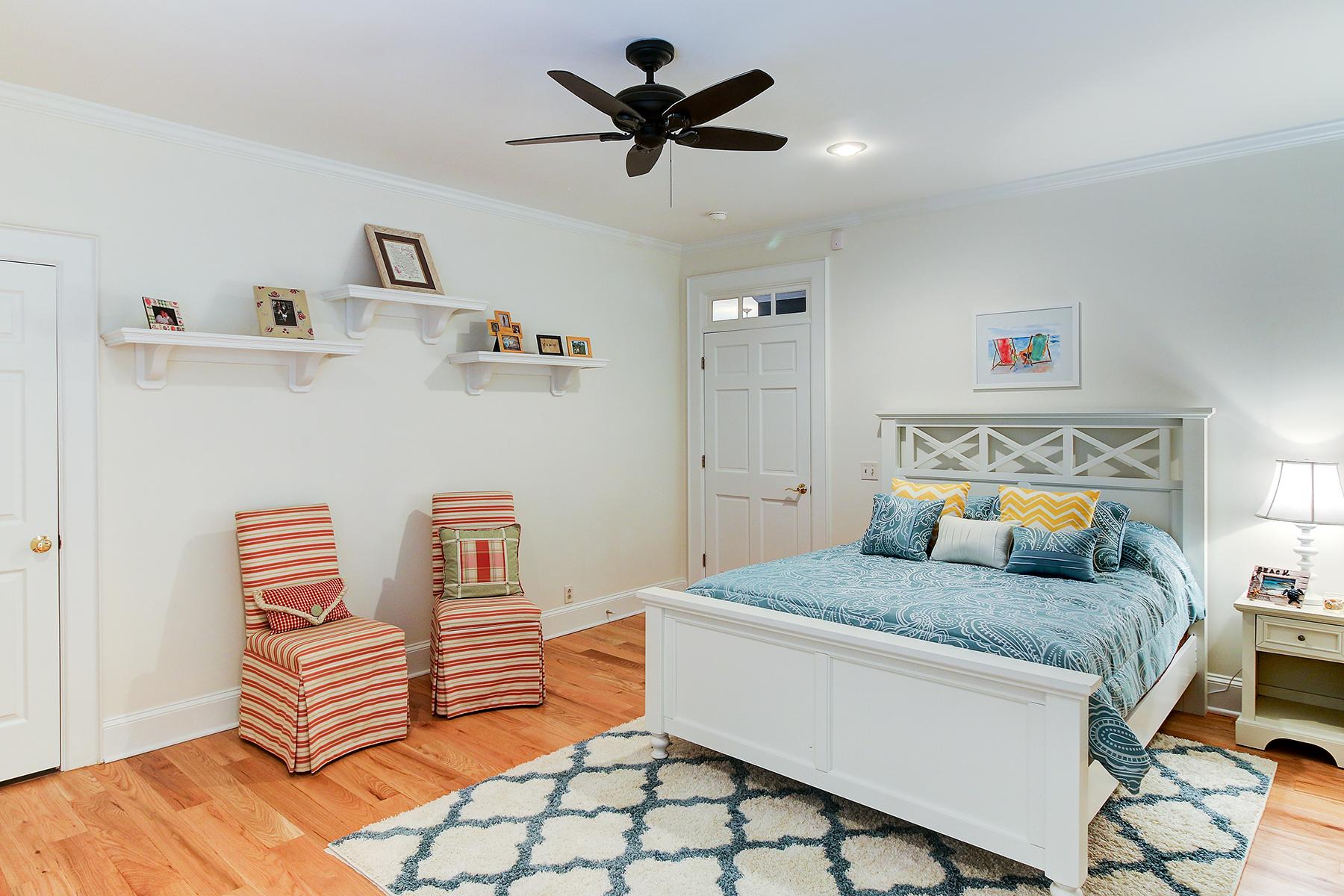 Salt Creek - kids bedroom MLS.jpg