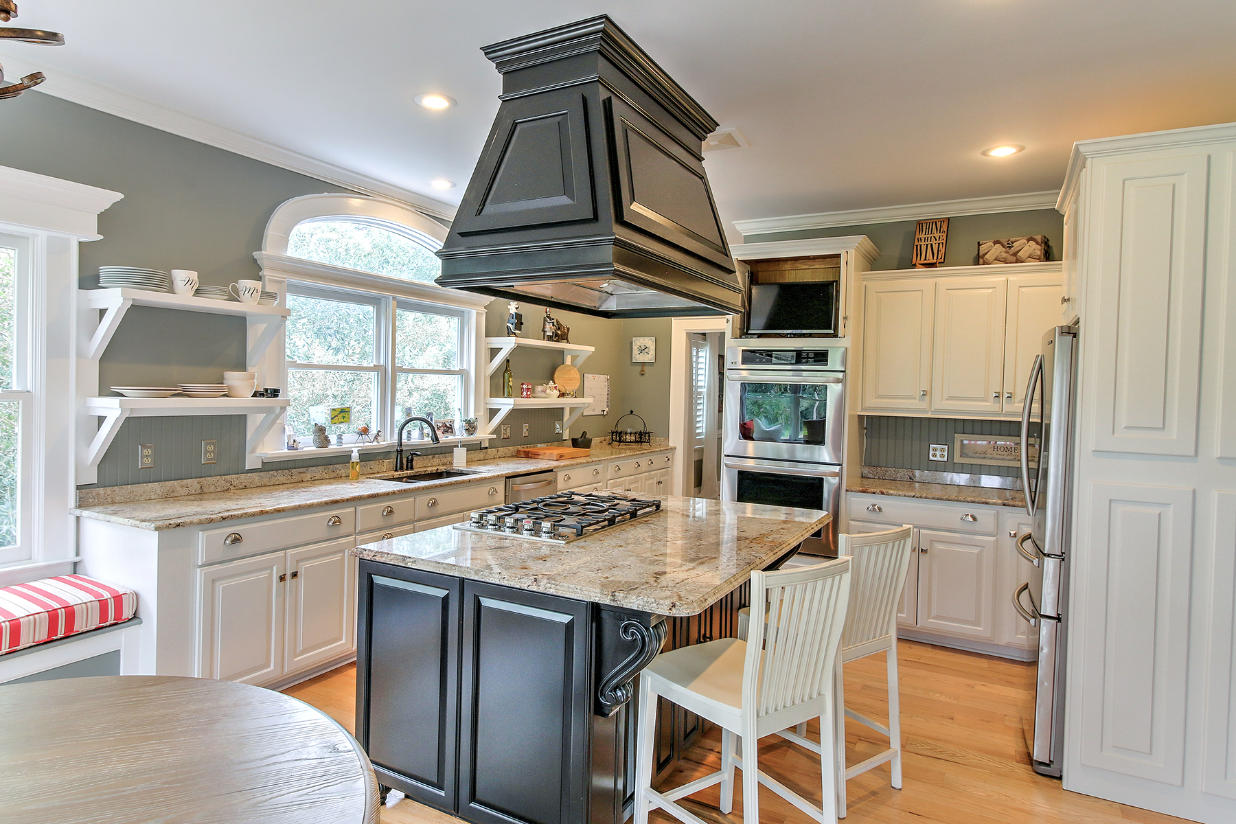Salt Creek - kitchen 1 MLS.jpg
