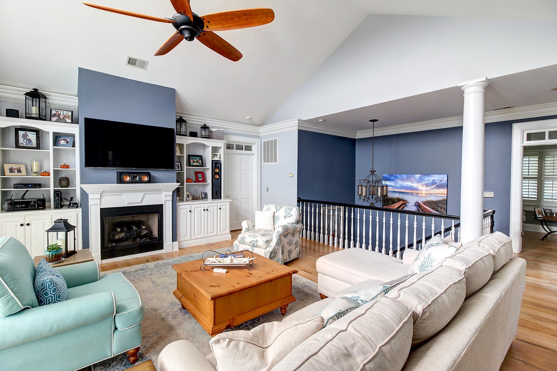 Salt Creek - living room 3 MLS.jpg