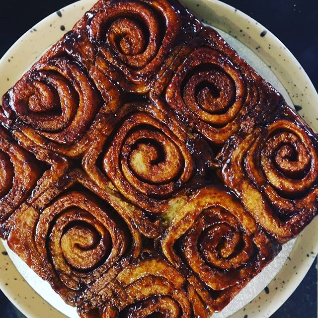 Make your own cinnamon buns! Check out our instastory for a step by step guide to make these beauts at home. . . #diy #homemade #handmade #baking . . . #instastories #cafe #cafeandbakery #cafeculture #spiddalcafe #irishcafe #seasidecafe #galwayfood #thisisGalway #thisisfoodingalway #WAW #spiddal #ireland #wildatlanticway #vegetarian #comfortfood #wholesomefood #nourishingfood #cinnamonbuns