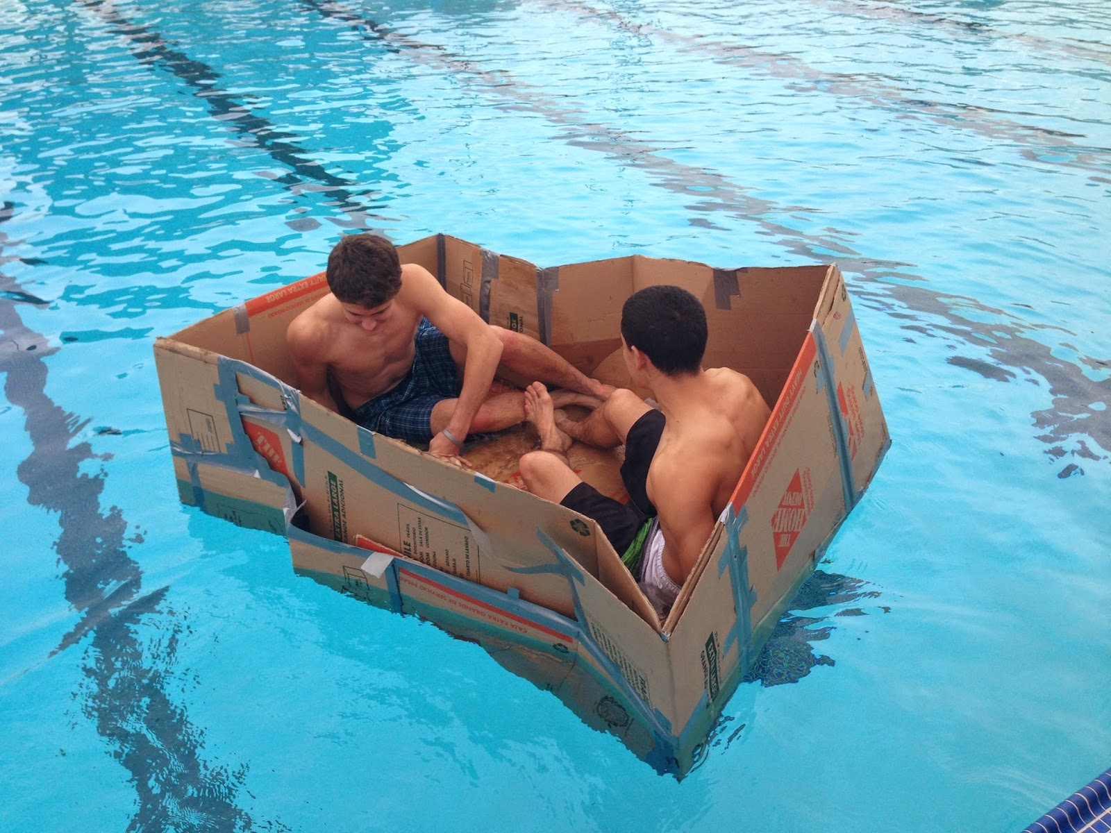 cardboardboatraces-3.jpeg