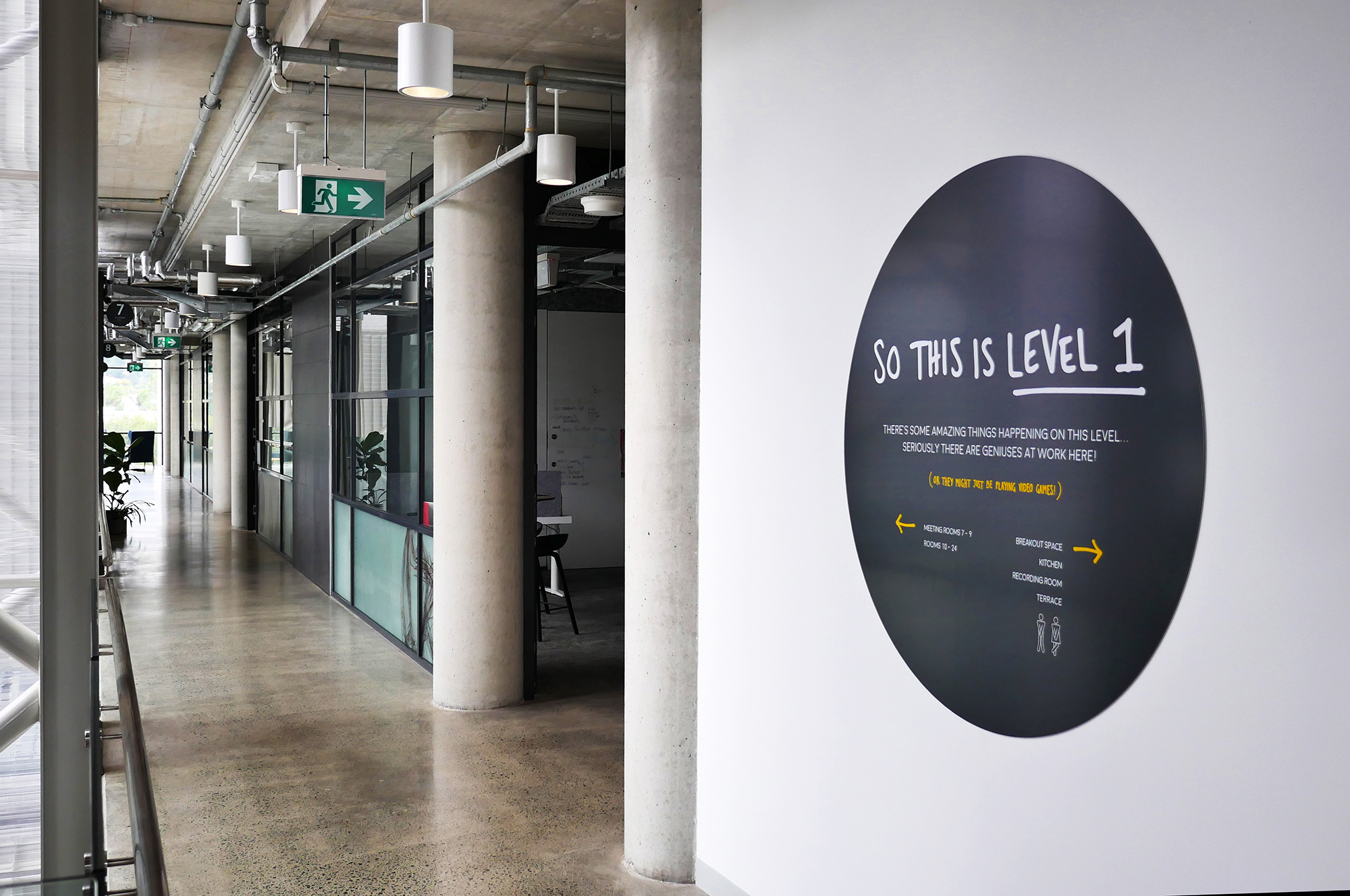 UOW iAccelerate - Wayfinding Graphics