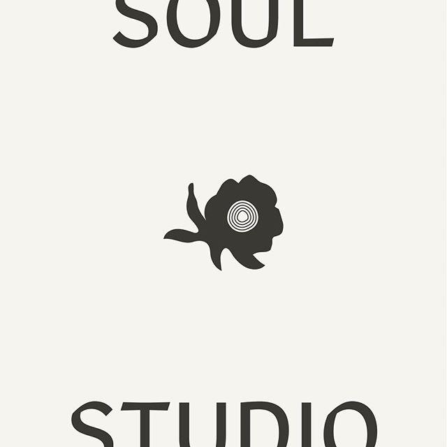 Likes her logos like she likes her pants 🙋🏻♀️ #cropped ⠀⠀⠀⠀⠀⠀⠀⠀⠀ ⠀⠀⠀⠀⠀⠀⠀⠀⠀ ⠀⠀⠀⠀⠀⠀⠀⠀⠀ ⠀⠀⠀⠀⠀⠀⠀⠀⠀ #typetuesday #design #branding #rebrand #slowfashion #ethicalfashion #sustainablefashion #fashionrevolution #ethicalbrand #emergingdesiner #graphicdesigner #freelancedesigner #graphicdesign #logo #logolove #artdirection #typography #typeface #ilovetype #smallbusiness #creativecommunity #creativewomen #bostondesigner #essexma #northshorema #capeannma