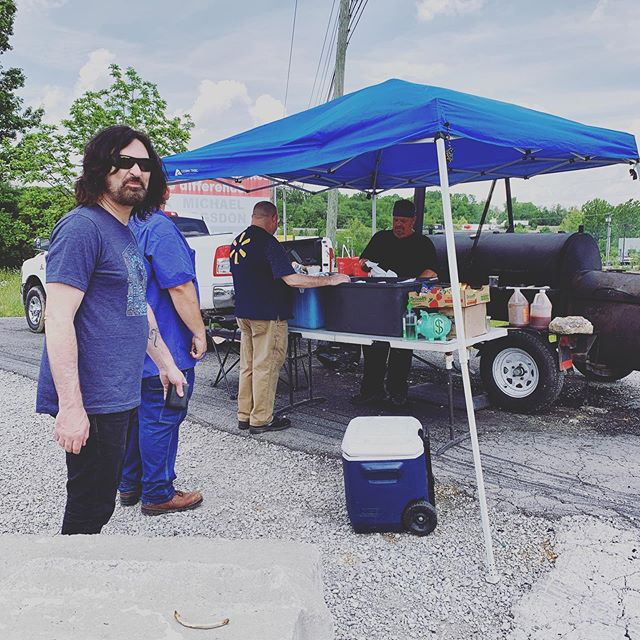 Roadside BBQ in Kentucky on our way to Columbus for our show tonight at @bigroombar.  So #%@&$ good 😎#touring #touringlife #roadtrip #bbq #livemusic #kentucky #foodie @37bri37 @kevin_haaland @kidkury @peterargyropoulos @deandichoso +++ Pete RG is now Sons Of Silver.  follow us at @sonsofsilverband