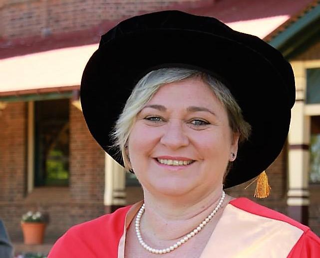Dr Kate Bricknell