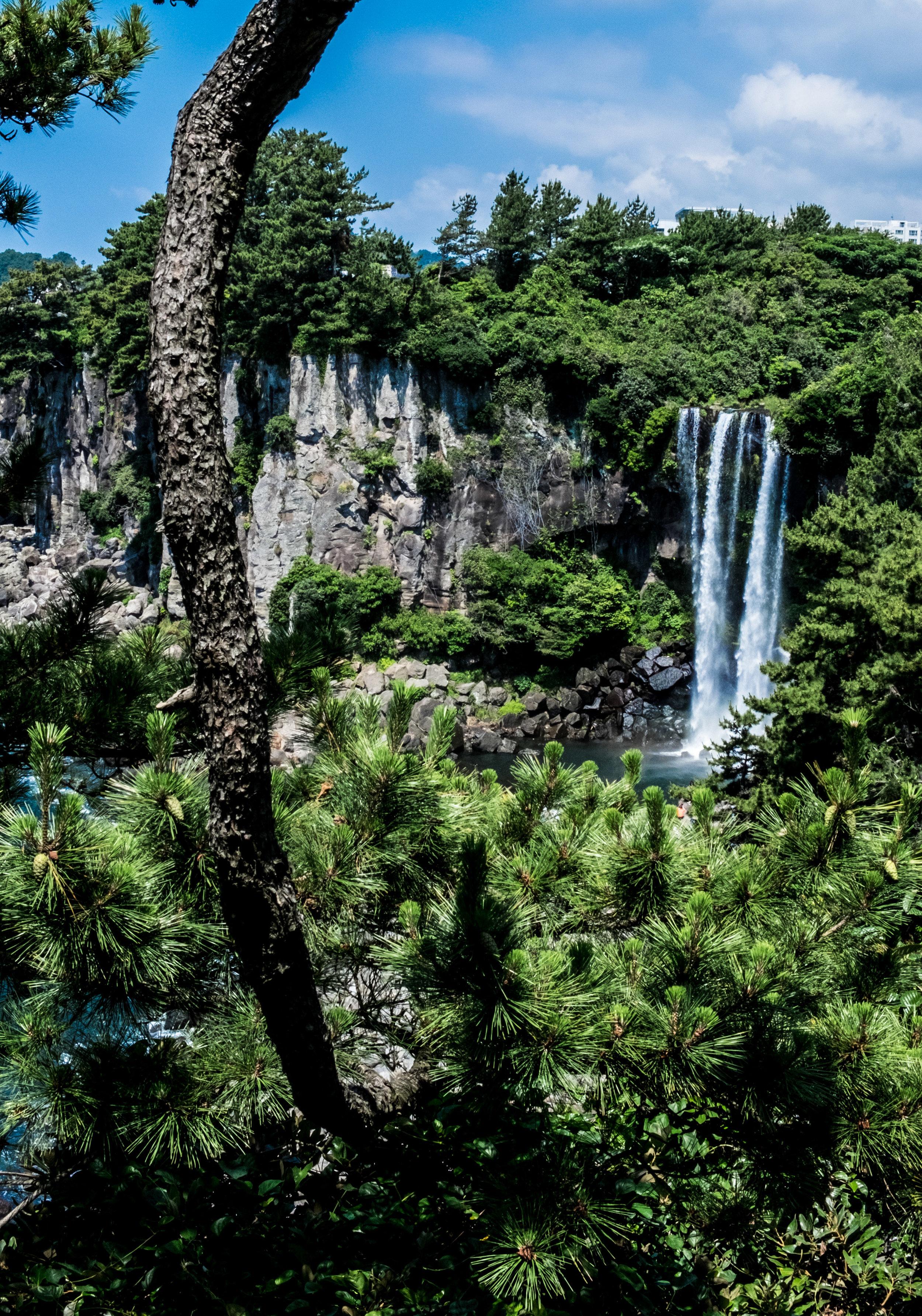 waterfall7.jpg