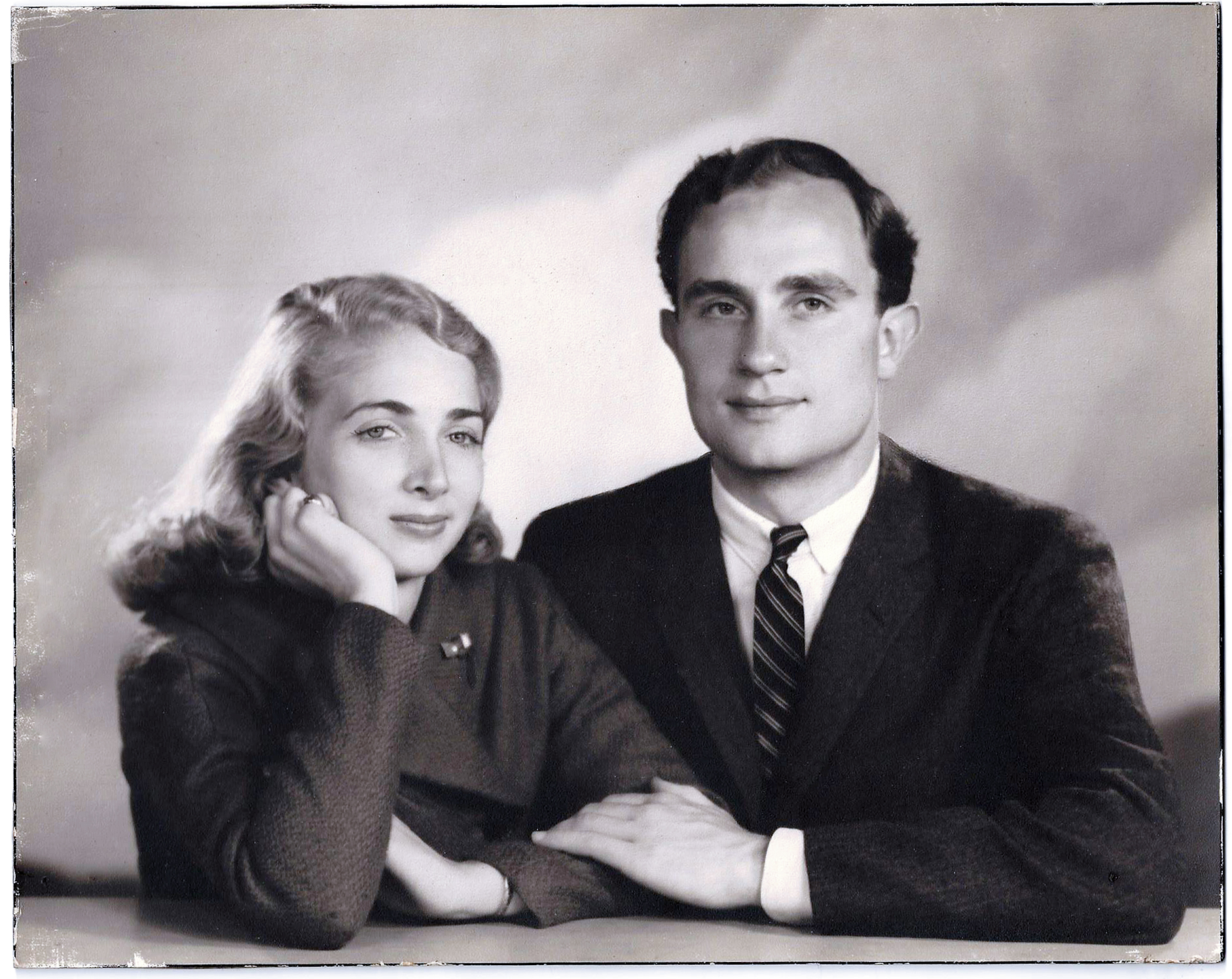 Photo -- Marjorie & Lancelot Farrar.jpg