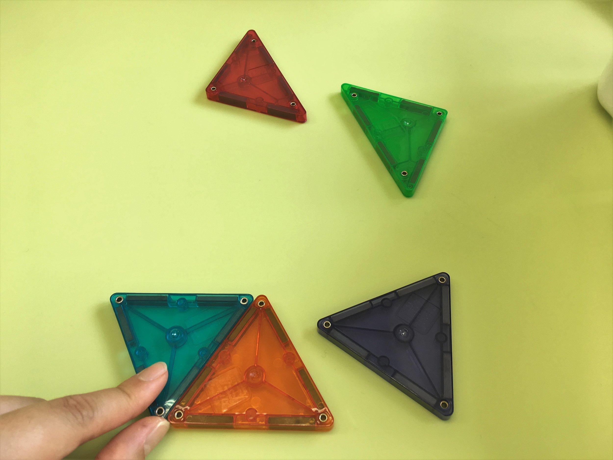 まず下半分から・・・正三角形2つで平行四辺形ができます。