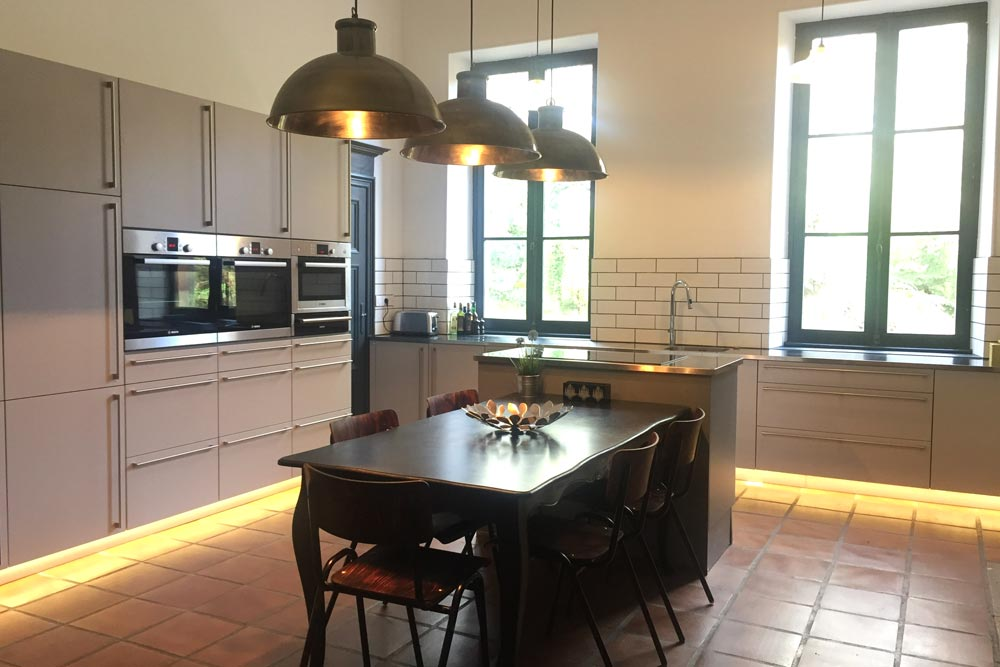 French Chateau to rent with magnificent kitchen