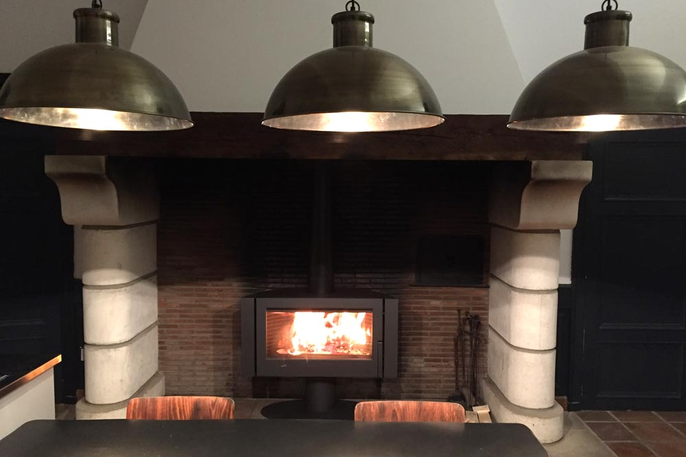 Chateau for rent with log burning stove
