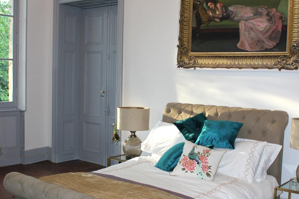 Private Chateau rental with King Size bed