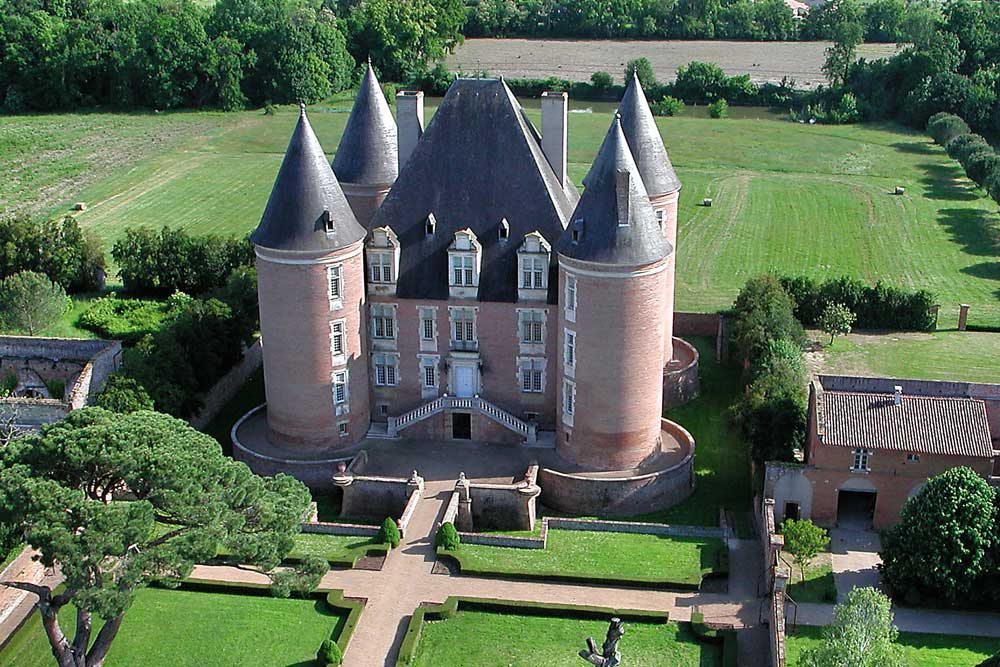 Luxury Chateau to rent near Saint Elix le Chateau