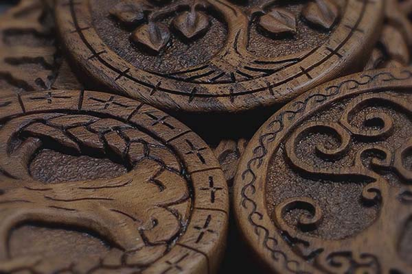 Each wooden artwork or piece of jewelry is crafted with high attention to details. Most of the carving is done under a magnifying glass, to achieve high carving precision.