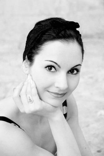 Elena Gibson - Pole Dance, Danza Aerea, Repertorio Classico