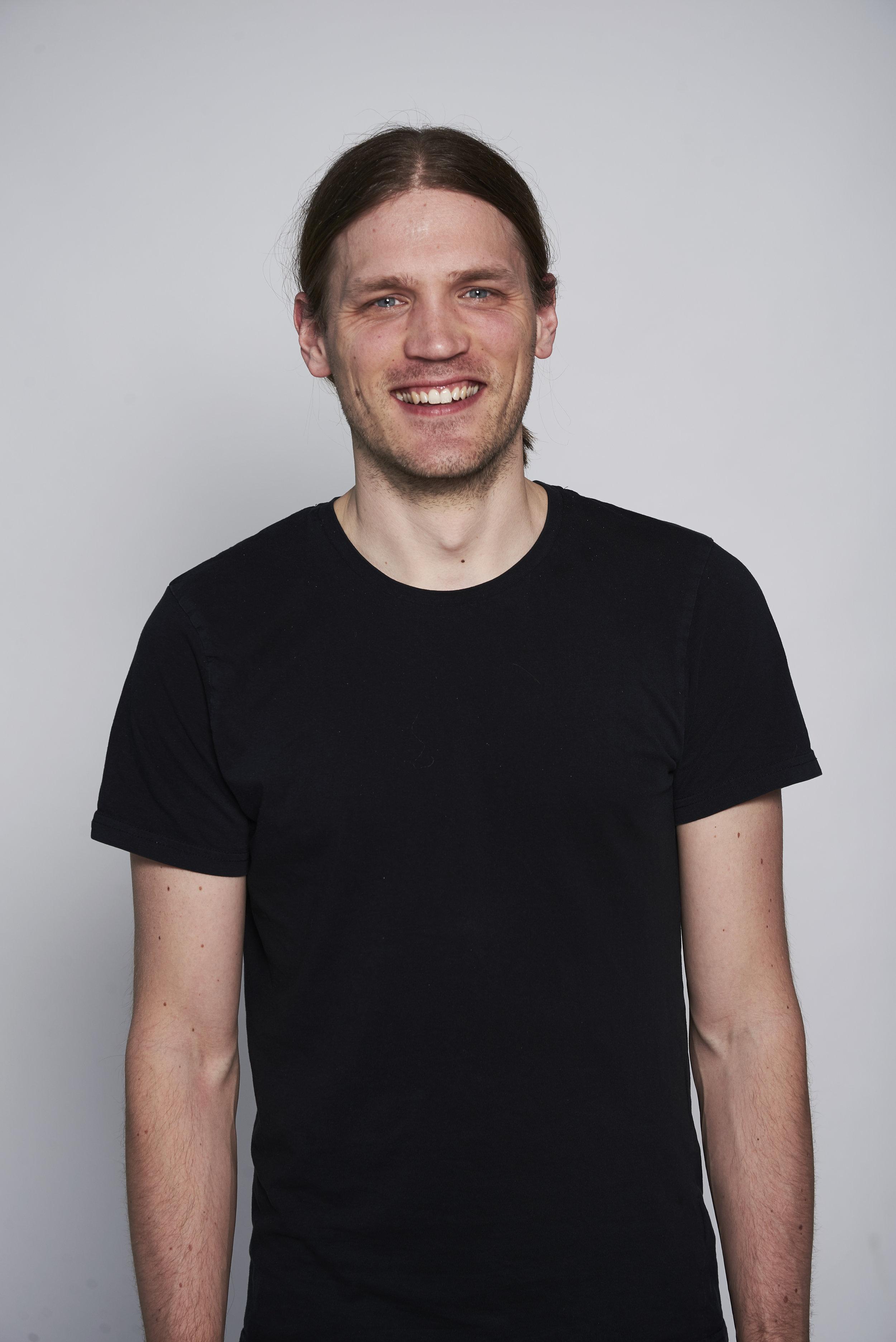 Copy of <strong>Jesper Jonsson</strong><br>Industrial & Interaction Designer<br>jesper@above.se<br>+46 737 206 005