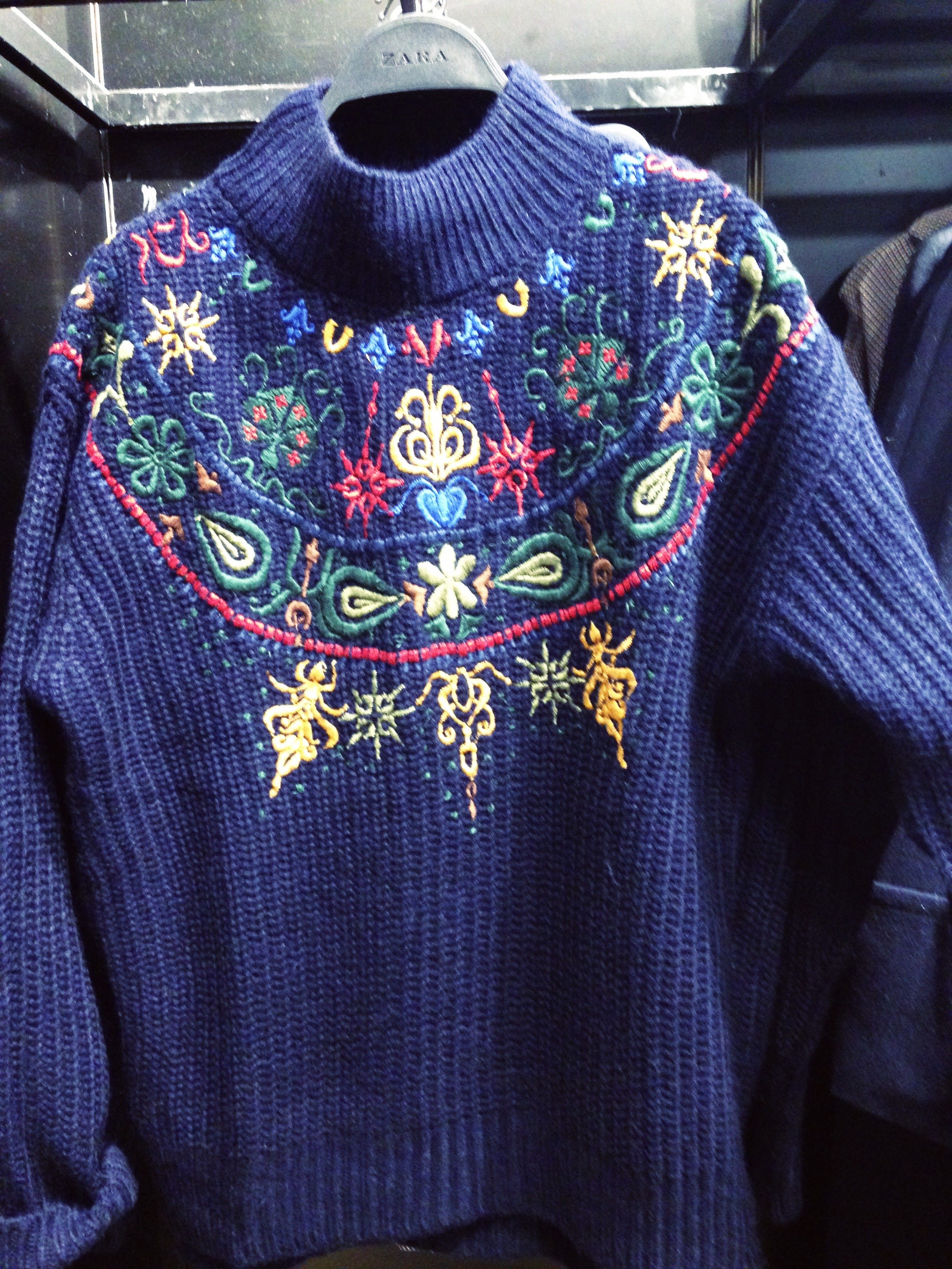 Zara navy knit! Lovely cowl neck big ribbed jumper with embroidered pattern detail. €49.99