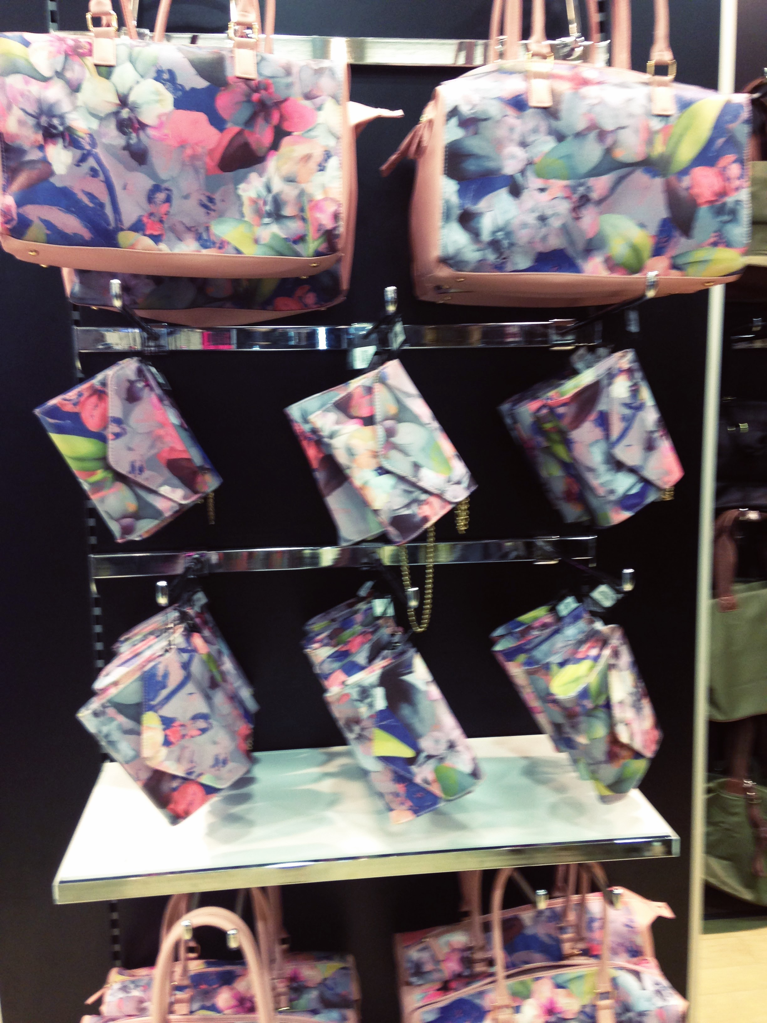 Fab floweral bag range. Price from £10-£18. These are so pretty.