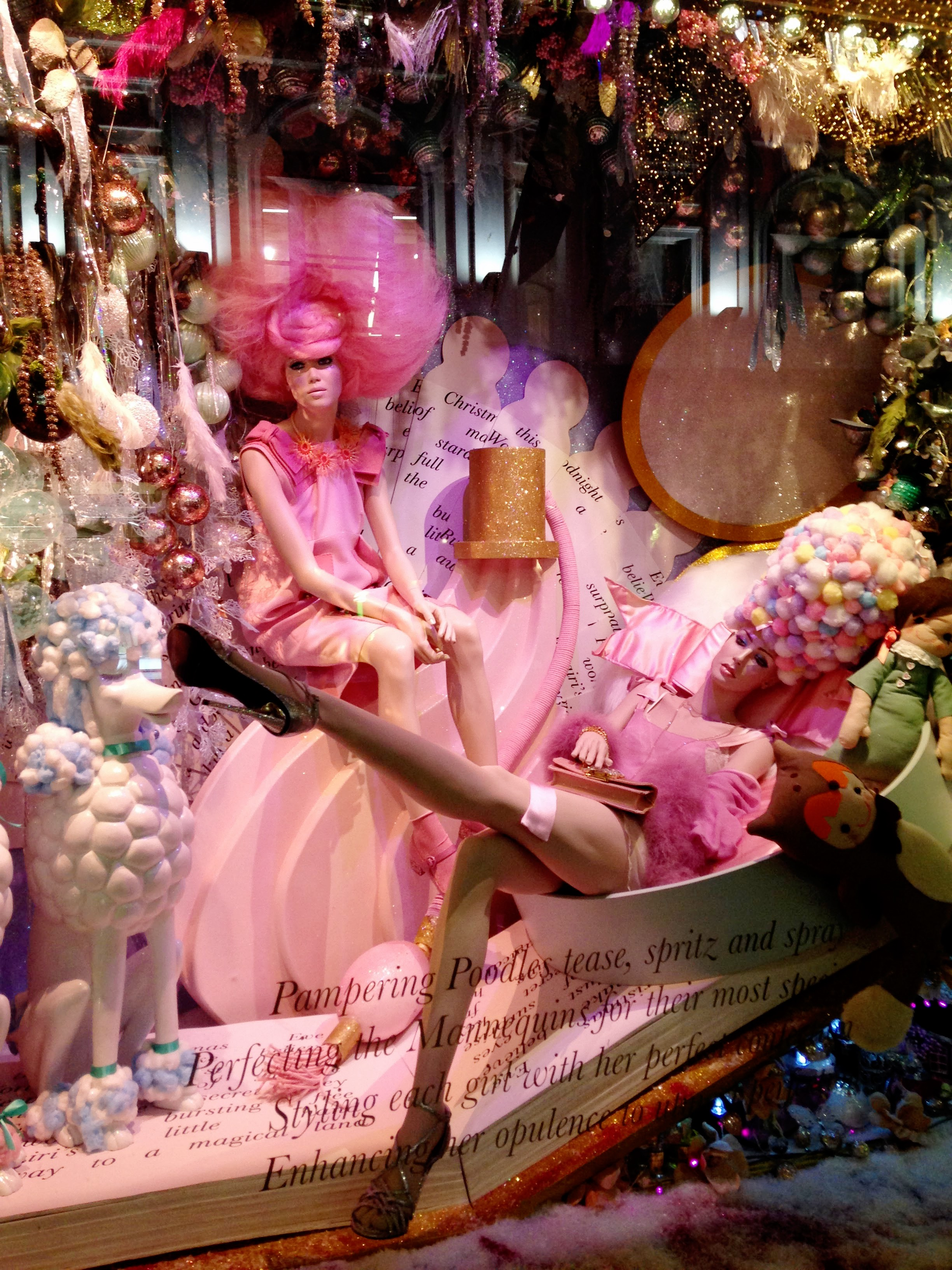 Wishing all my lovely readers a magical fairy Tale Christmas! XXXXVIOLINKIT