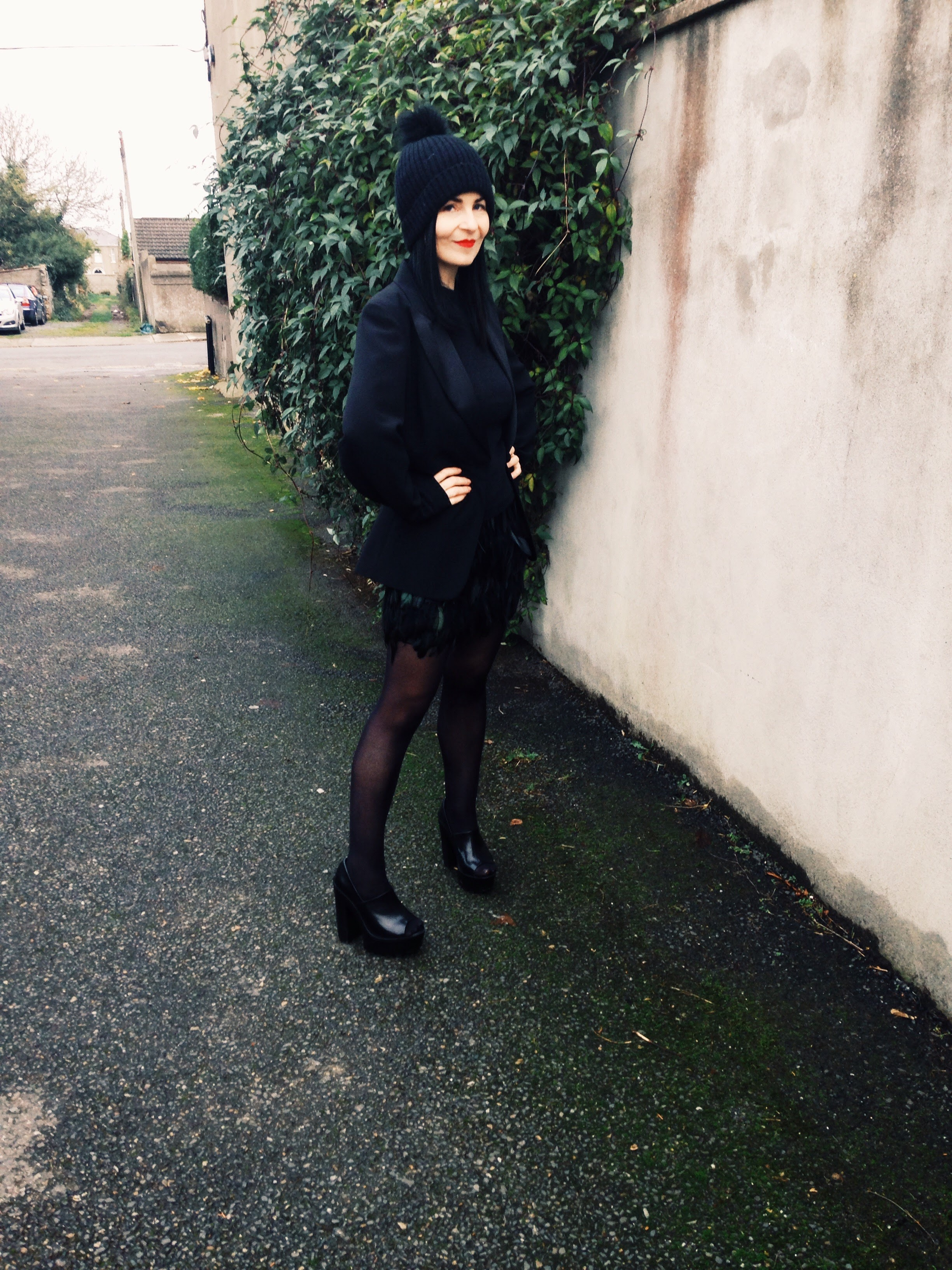 This street look is one of my favourites and is glammed up by a vintage 90s feathered mini skirt from Lipsy.