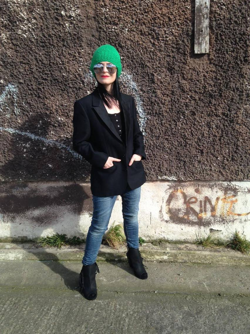 Casual cool look with just a touch of green !