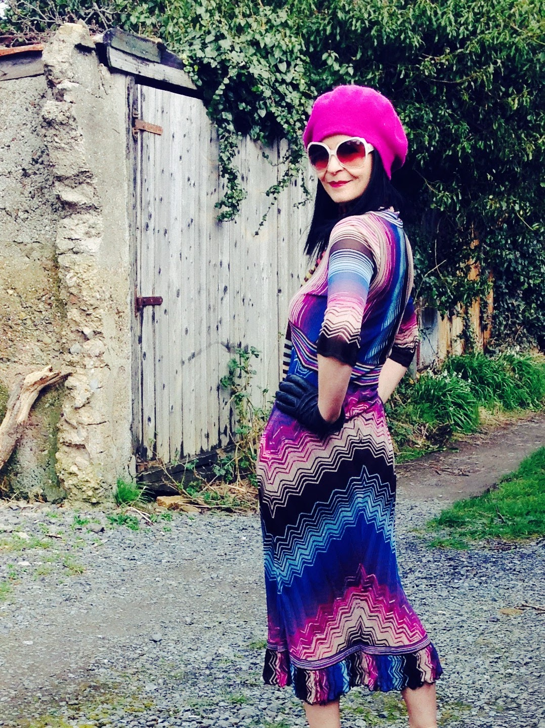 This great dress has a very vintage 1930's feel and accessorised with the Raspberry Beret and scarf make it more so.